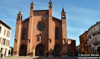 piazza-duomo-cattedrale-Alba