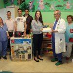 I giovani del Leo club donano giochi al reparto di pediatria