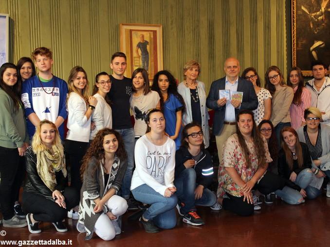 31mag2016 incontro con Liceo Economico Sociale