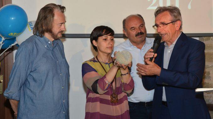 Il premio Ancalau a un progetto sulle nocciole