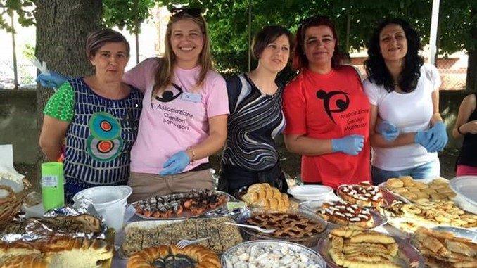 Piatti di tanti Paesi per la festa alla scuola Montessori