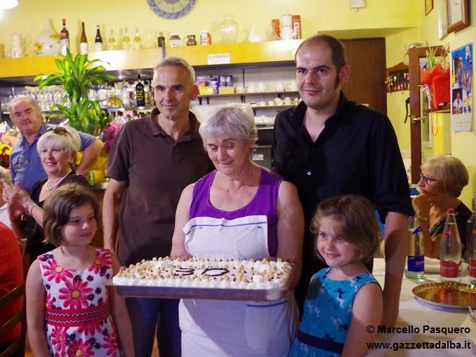 Gemma con i figli e le nipotine 2