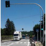 All'incrocio Cornarea è attivo il semaforo, in centro la zona 30