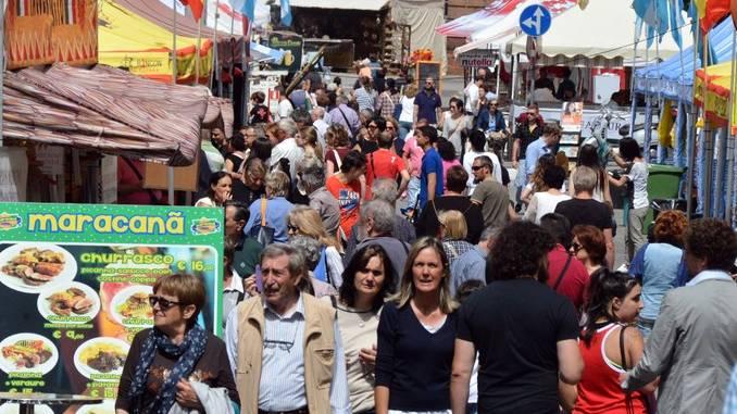 Il Mercato europeo ad Alba è stato un successo 10