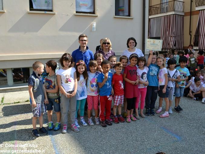 Premiati gli alunni delle elementari di Alba con più presenze al Piedibus 2
