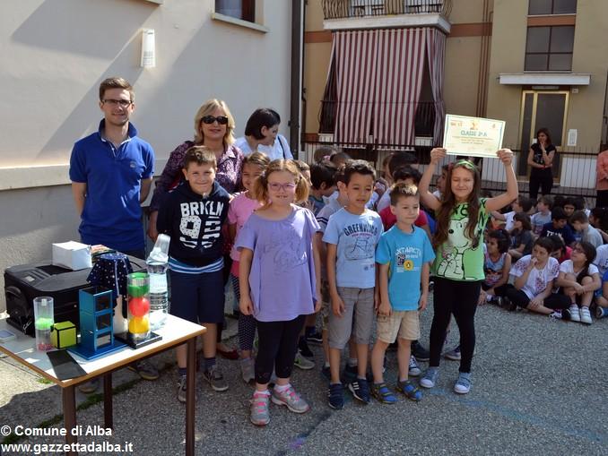 Premiati gli alunni delle elementari di Alba con più presenze al Piedibus 4