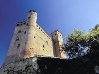 Nuovi orari da luglio per il castello di Serralunga