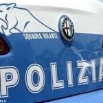 Una volante della Polizia di Asti ferma due uomini intenti a vendere marijuana