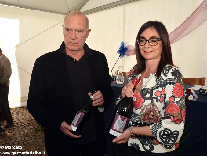 presentazione barolo Sandro Chia e Renata Bianco sindaco Barolo