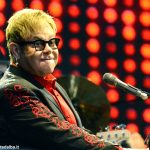 Il baronetto Elton John incanta Barolo