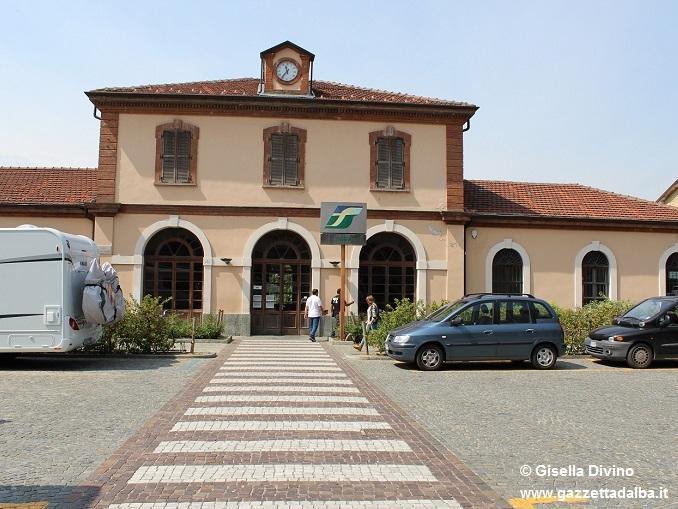 """Martini conferma: """"Il 25 settembre tornano i treni sulla Alba-Bra"""""""
