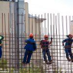 """Migliaia di lavoratori in piazza """"contro il declino"""""""