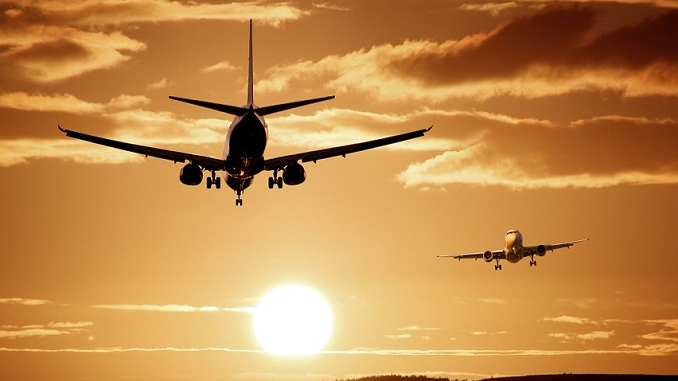 Tanta paura nei cieli del Roero, avaria su un aereo diretto a Olbia