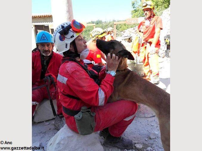 Sisma centro Italia: partiti da Alba i cani da ricerca dell'Anc 3