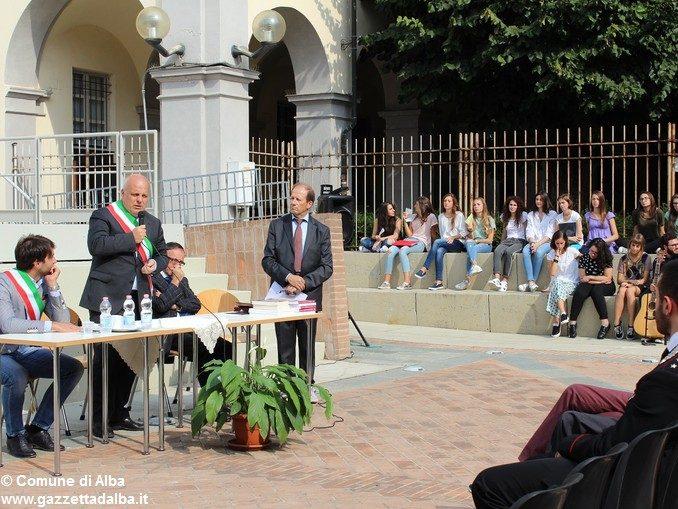 Inaugurato l'anno scolastico 2016-'17. Il liceo classico Govone omaggia Giacomo Oddero