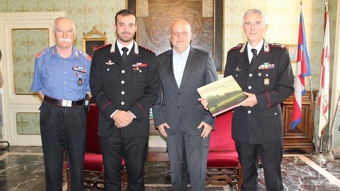 Alba: il Sindaco Maurizio Marello ha salutato il Colonnello dei Carabinieri Flavio Magliocchetti ed il neo Capitano Giacomo Conte
