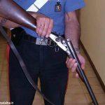 Un fucile calibro 9 e due etti di tritolo rinvenuti in un'abitazione