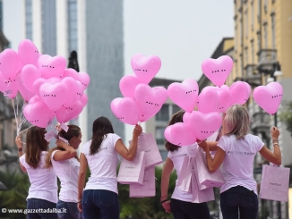 A Milano 24 mila palloncini per il restyling del logo di Motivi