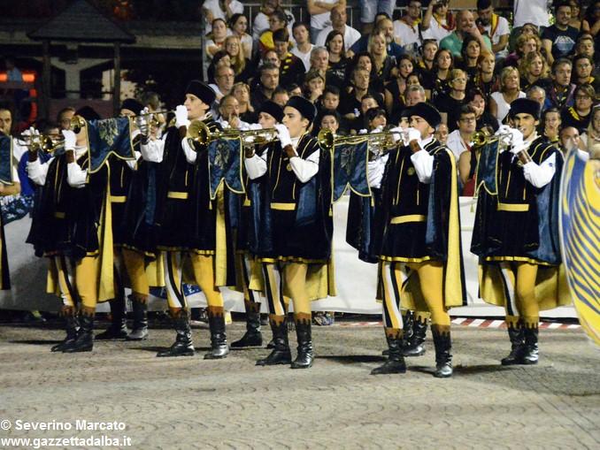 Ottocento sbandieratori per la Tenzone aurea 2016 12