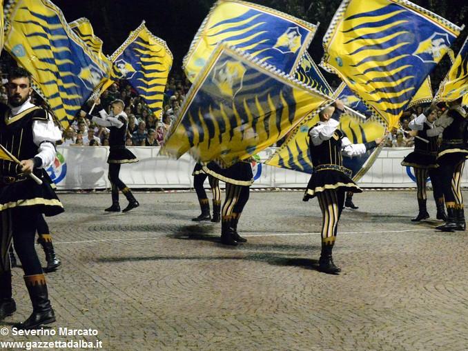Ottocento sbandieratori per la Tenzone aurea 2016 14