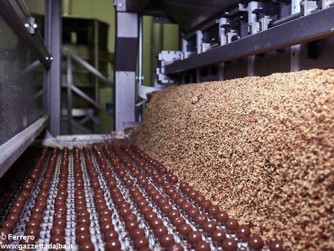 Bilancio Ferrero Italia: +5% di fatturato, utili oltre i 200 milioni. Premio legato agli obiettivi: 1.921 euro 1