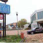 I Carabinieri mettono in fuga i ladri che svaligiavano il Motel Alba