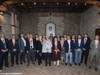 I cavalieri del tartufo accolgono Alan Bryden presidente della federazione delle confraternite del vino 1