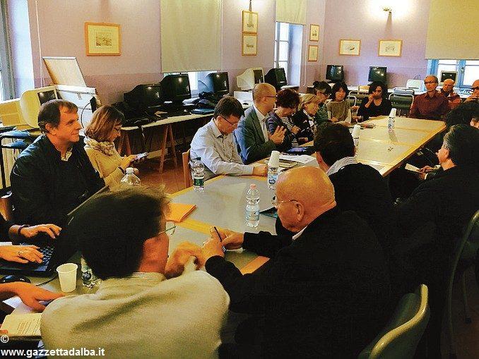 Scontro in commissione sull'Accademia calcio Alba