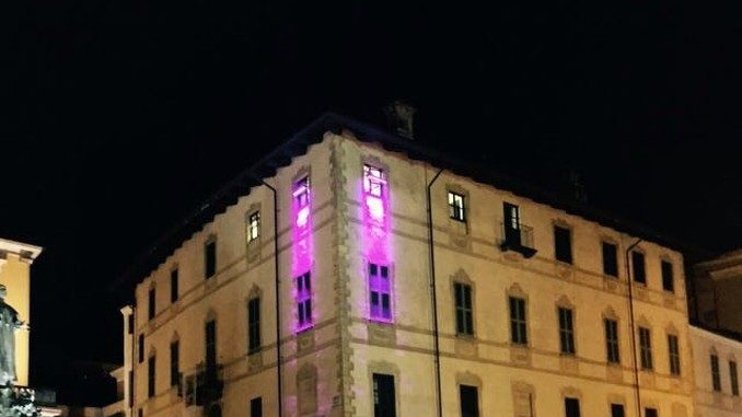 Palazzo Mathis in rosa promuove la prevenzione dei tumori al seno