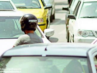 Invasi dal traffico: un'auto a testa e 72 multe al giorno 1
