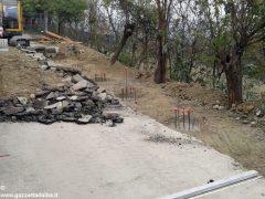 Frana in strada Bonora: Canale costretta a fare da sé 3