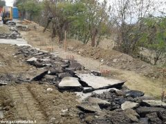 Frana in strada Bonora: Canale costretta a fare da sé 4