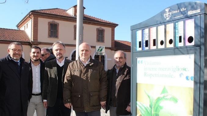 """Inaugurati i primi """"Minipunti ecologici urbani"""" in zone strategiche della città"""