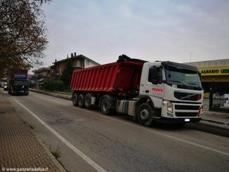 Disagi sulle strade: asfaltature in corso Asti e sulla tangenziale di Alba
