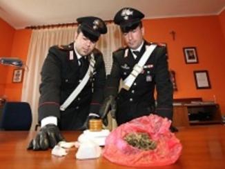 Fermati due spacciatori, uno in auto con 60 grammi di cocaina l'altro con 35 di Marijuana