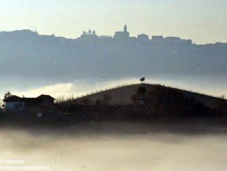 Dolce nebbia. Ecco le foto più belle degli orizzonti di Langa
