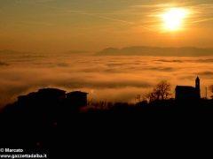 Dolce nebbia. Ecco le foto più belle degli orizzonti di Langa 2