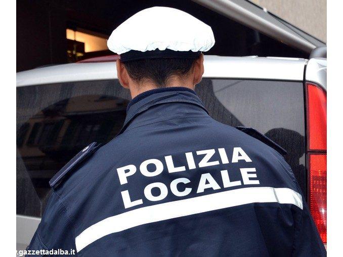 Investe un pedone e fugge: individuato dalla Polizia municipale di Bra