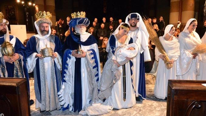Buon Natale! Gli auguri di Gazzetta d'Alba, del Vescovo e del Sindaco