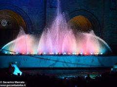 Fotogallery: lo spettacolo delle fontane luminose in piazza Duomo 10