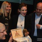Alba ha omaggiato la fiorettista Bebe Vio col Tartufo dell'anno