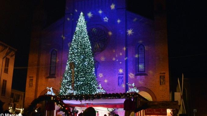Dalla Vigilia all'inizio del 2017 in piazza Duomo ad Alba