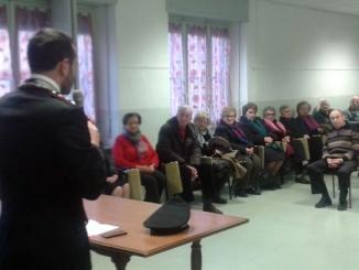I Carabinieri spiegano agli anziani come difendersi dalle truffe