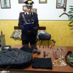 Dopo l'inseguimento e la lotta nella campagna montatese, arrestato un malvivente