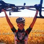 Paola che sogna l'infinito con la sua bici e bissa il Guinness world record