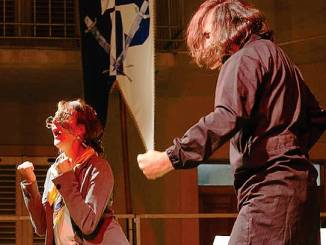 Gli equivoci al femminile in commedia a Monforte con l'Angelo azzurro