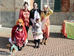 Grande festa di Carnevale nel Paese di fiaba e sabato si bissa con gli Anni '60 2