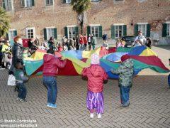 Grande festa di Carnevale nel Paese di fiaba e sabato si bissa con gli Anni '60 3