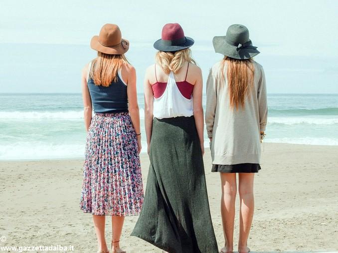 donne spiaggia