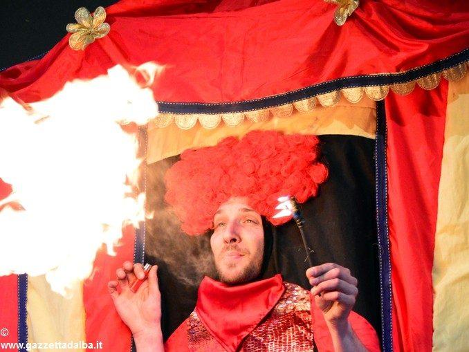 Burattinarte torna a Piobesi con Biancaneve, una storia di nani e vanità